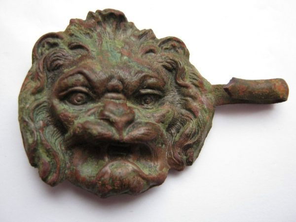 lion face - tin buckle war 1812 Napoleon