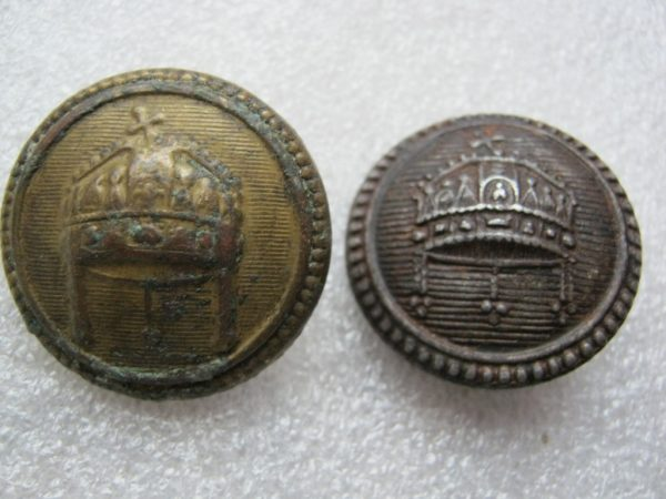 Two buttons ww2 or ww1