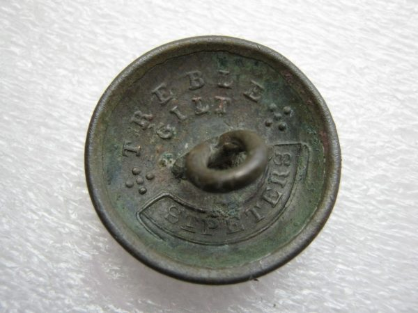 Button backward inscription 'Treble Gilt STPETERS'