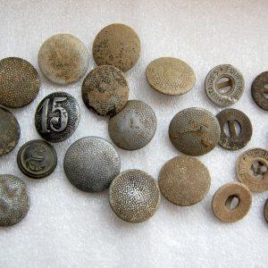 Vintage aluminium och zink tunika wehrmacht enhetliga knappar.