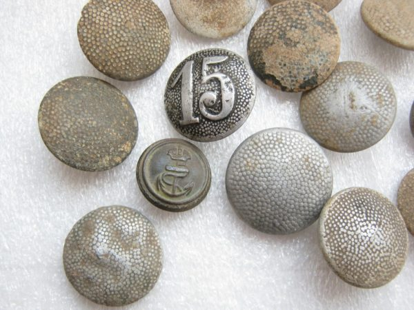 Wehrmacht ww2 tunic button number 15.