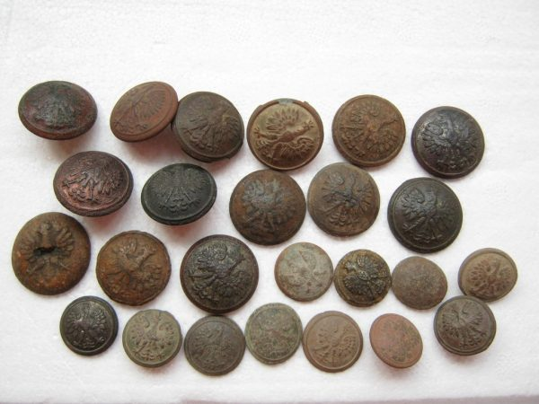 Dug relic buttons. Place of find - eastern part of Poland before 1939.